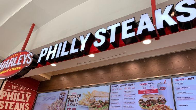 日本未上陸のアメリカファストフードCharleys Philly Steaks